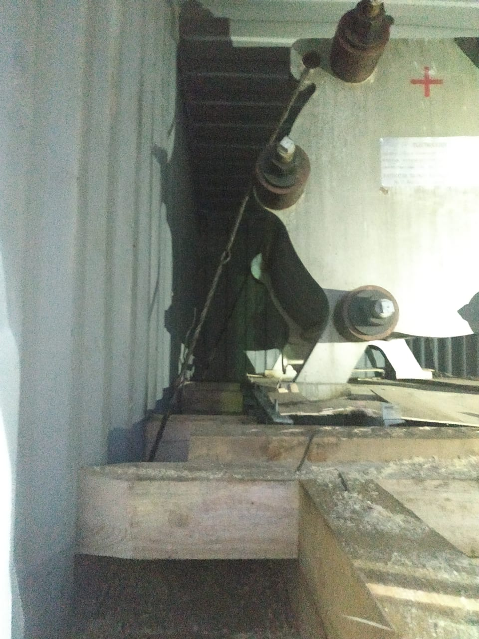 Погрузка станка весом 9000 кг с предварительным согласованием схемы НТУ